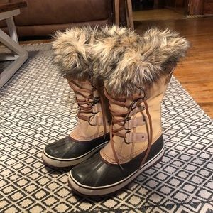 Joan of Arc fur boots size 10